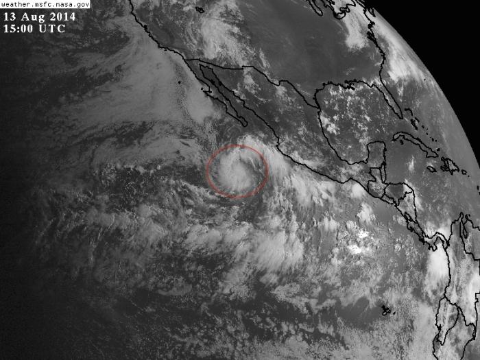 Satélite visible del Océano Pacífico muestra a la tormenta tropical Karina. GOES-NASA