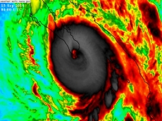 Momento exacto en el que el poderoso huracán Odile de categoría 3 bordeando la categoría 4 entró a Baja California Sur.